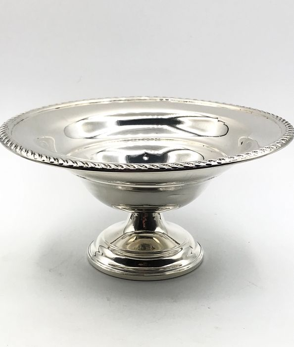 Preisner Silver Co. Wallingford Connecticut - Antique handmade 1st grade silver Fruits / Presenter bowl on foot. - .925 silver