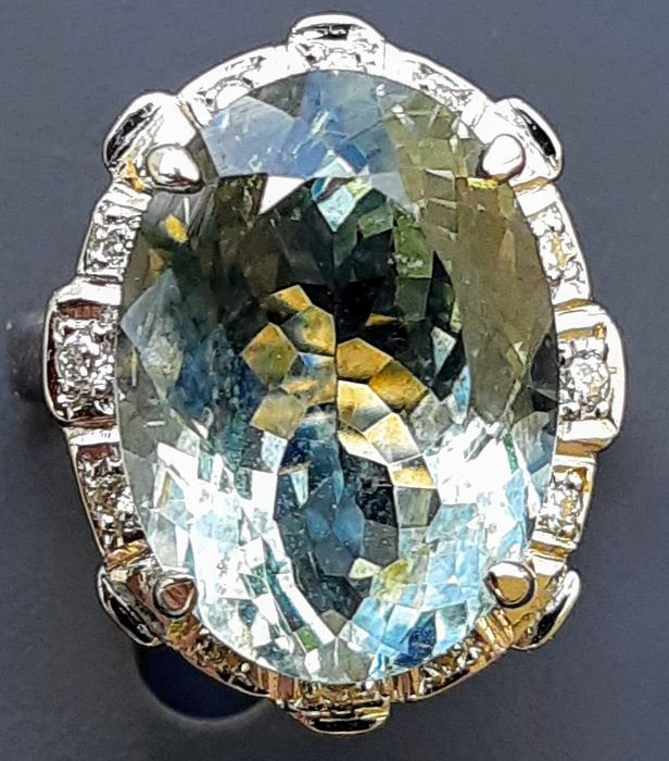 18 quilates Oro - Anillo - 8.26 ct Aguamarina - Diamantes