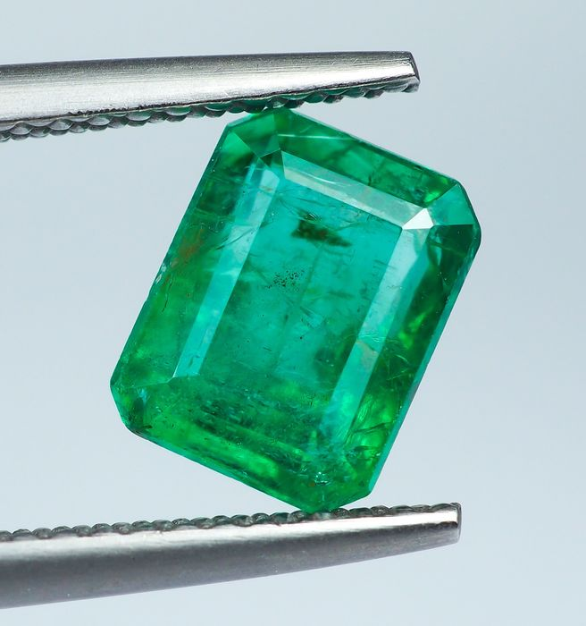 Green Emerald - 2.05 ct