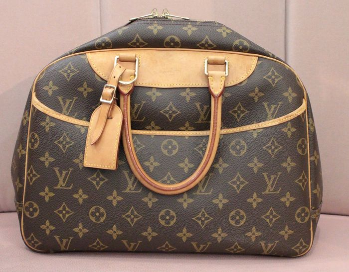 Louis Vuitton - Deauvilles Handbag
