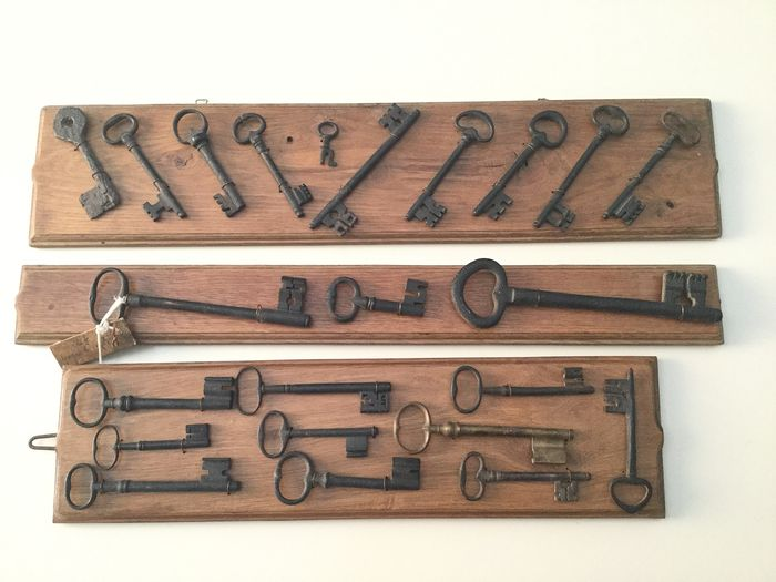 Collection lot of 23 keys - Iron (wrought) - XV-XVIII