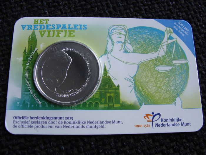 The Netherlands - 5 Euro 2013 'Vredespaleis vijfje'  in coincard foutdruk