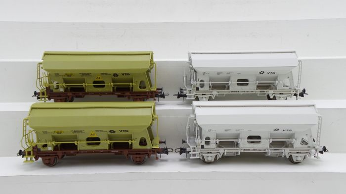 """Roco H0 - 46249/46424 - Freight carriage - 4x swing roof side unloaders for the transport of fertilizer """"VTG"""" - NS"""