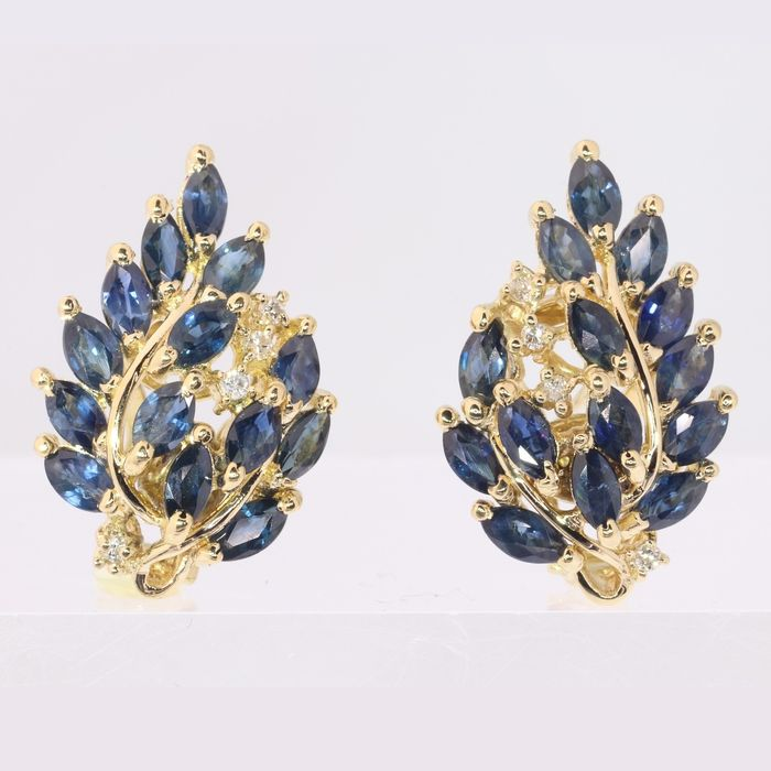 No Reserve Price - 18 kt. -  Gold - Earrings, short hanging - Vintage, Retro style - Anno 1970 Sapphire - Diamond