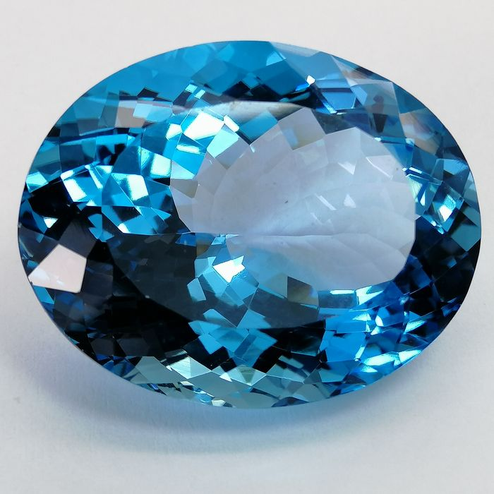 Topaas Zwitsers blauw, - 59.26 ct