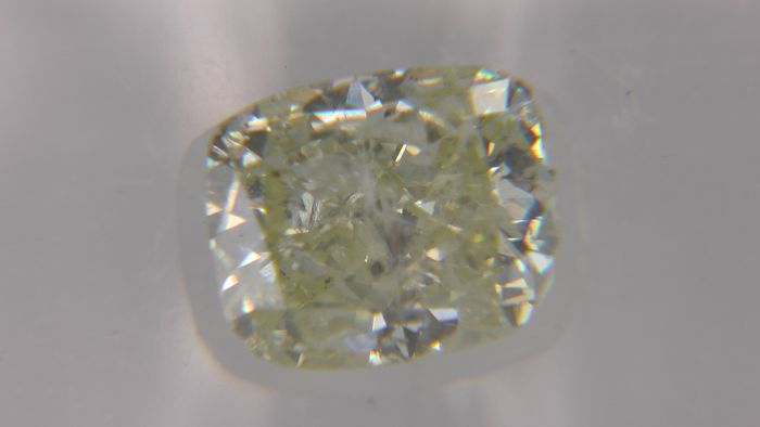 1 pcs Diamond - 1.12 ct - Cushion - fancy yellow - SI2