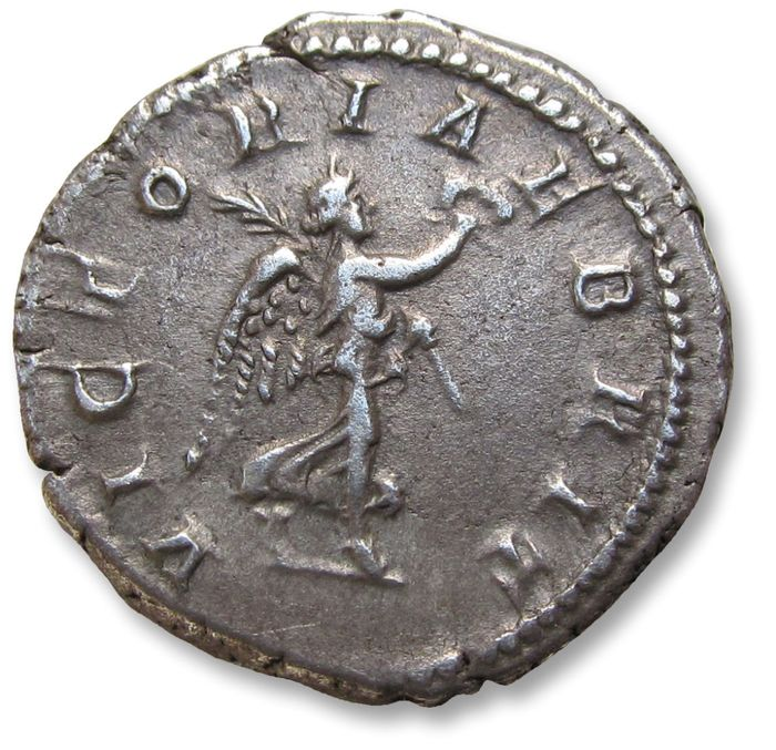 Roman Empire - AR denarius - struck to commemoratie his victorious campaign in Brittannia - Septimus / Septimius Severus, Rome mint 210-211 A.D. - VICTORIAE BRIT, victory right - Silver