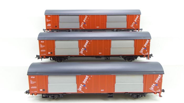 Roco H0 - 46281/46341 - Freight carriage - 4 Postal wagons type Hbbkkss with modern PTT logo - NS