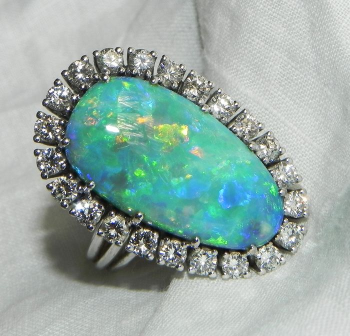 "18 kt Gold - ""Tausendundeine Nacht"" 18 kt Gold - Brilliant  Blackopal Opal Ring 750 Gold Brillianten Opal Opal"