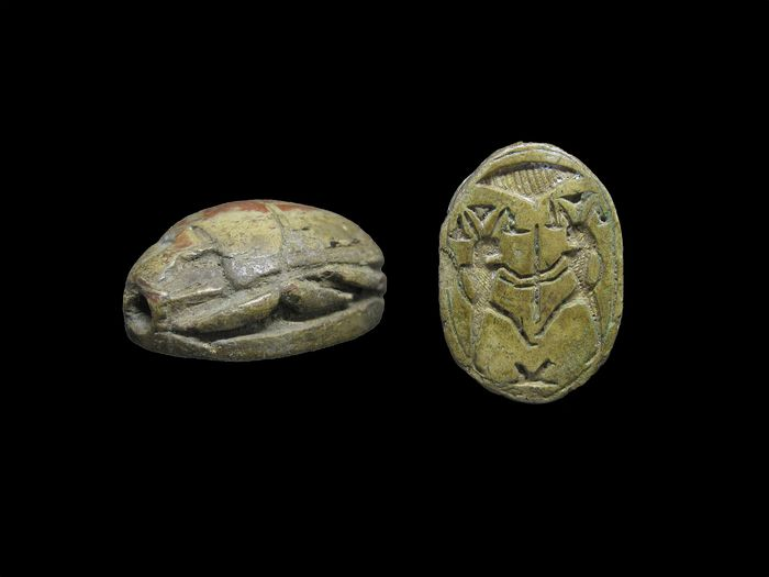 Large Ancient Egyptian Steatite Scarab with the Nile god Hapi binding the Sema-Taouy sign- ca. 3 cm