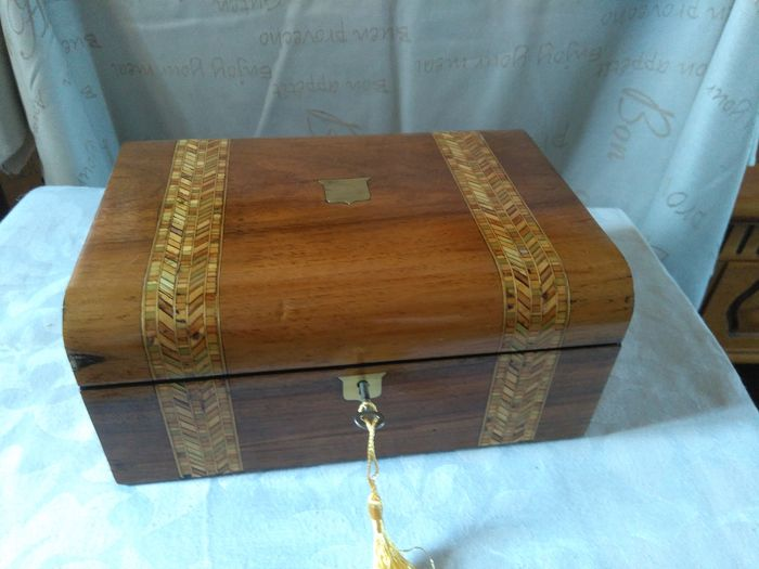Tunbridge Ware Box - Victorian - Walnut, Wood - Late 19th century