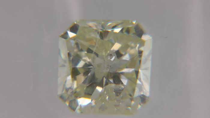 1 pcs Diamant - 1.55 ct - Radiant - fancy yellow - SI2, No Reserve Price!