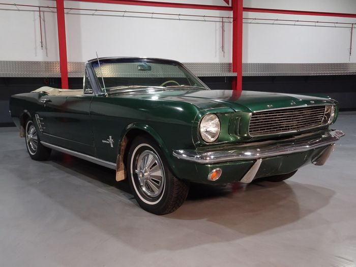 Ford - Mustang Convertible 200CI I6 - 1966