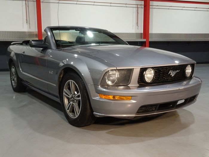 Ford USA - Mustang Convertible GT 4.6L V8 - NO RESERVE - 2006