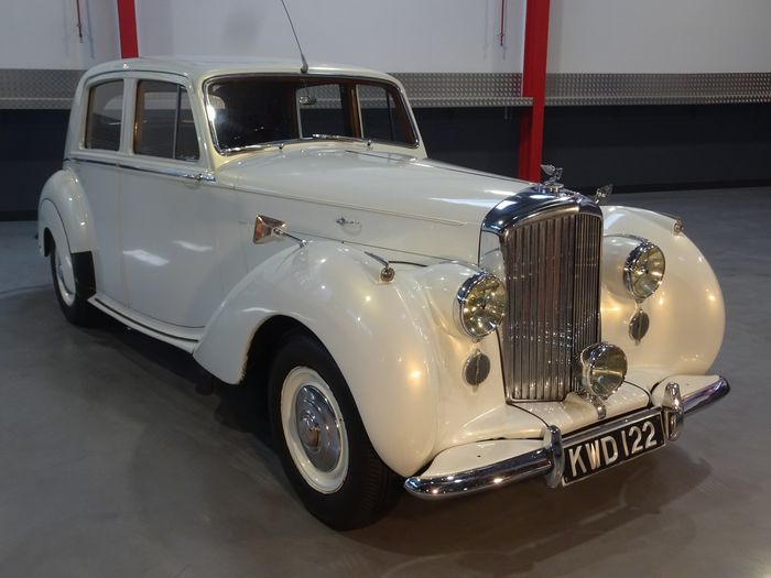 Bentley - Mark VI 4.3L Sunroof Saloon - 1951