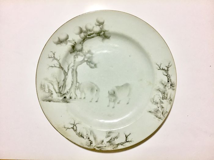 A fine and exceedingly rareandGrisaille  - Porcelain - China - Yongzheng (1723-1735)