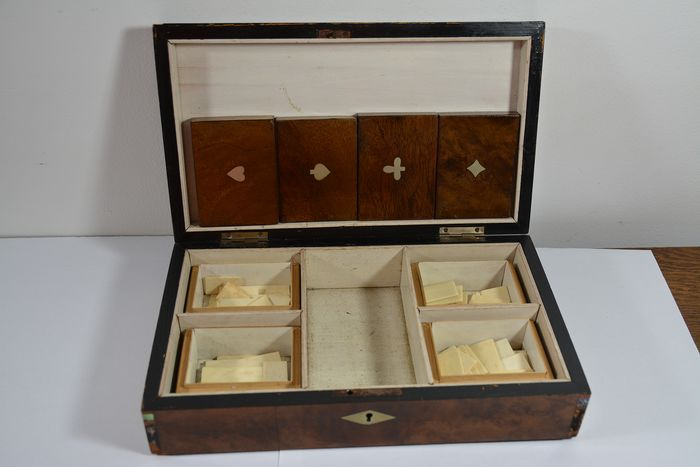 A chip box with legs chips - Wood- Mahogany