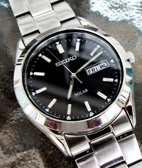 Seiko - Solar Dress French / English Day Date Oyster Band  - SNE039P1 - Men - 2011-present