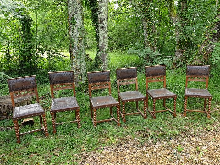 Six Antique Dining Chairs, Carved wood and embossed leather - Renaissance Style - Wood