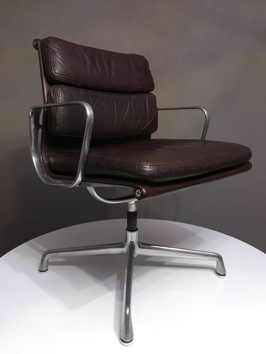 Charles Eames - Herman Miller - Armchair, Office chair - EA 208