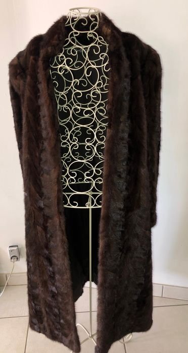 Raoul Brochet  - Fur coat - Size: EU 42 (IT 46 - ES/FR 42 - DE/NL 40)