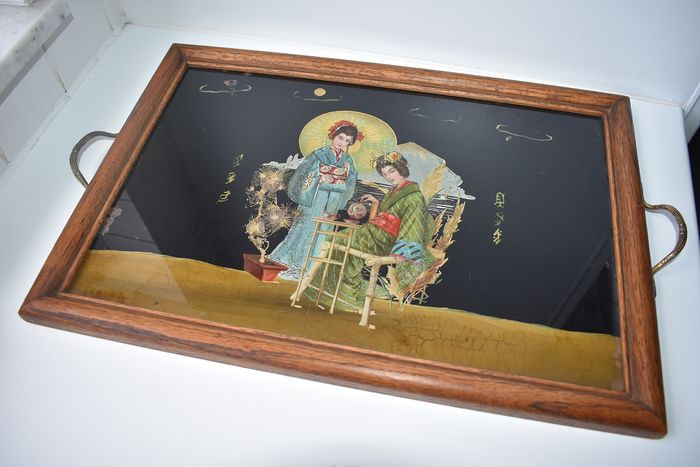 ornamental tray with 2 Japanese women drinking tea (1) - paper - wood-glass-copper