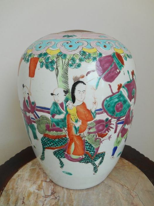 ginger jar with kylin and figures - Porcelain - China - Late 19th century