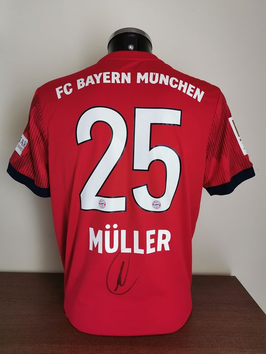 sale retailer 16db6 5734c FC Bayern München - German Football League - Thomas Müller ...