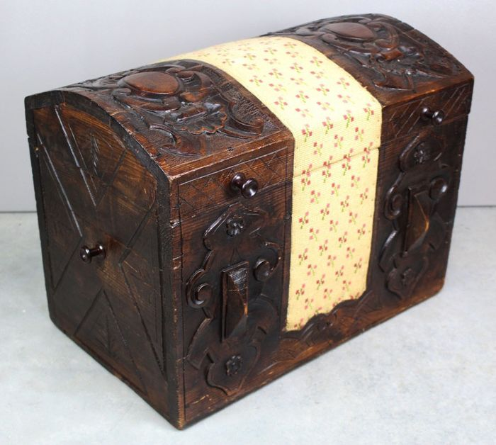 Wooden case - Wood - Approx. 1860
