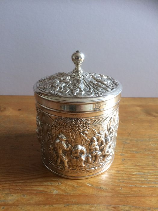 Tea caddy with lid, with DE mark (Douwe Egberts) - Silverplate