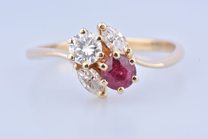 18 kt. Yellow gold - Ring - 0.35 ct Ruby - Diamond