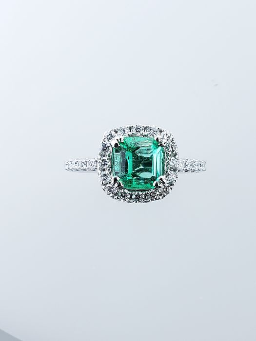 14 kt. White gold - Ring - 1.59 ct Emerald - Diamonds