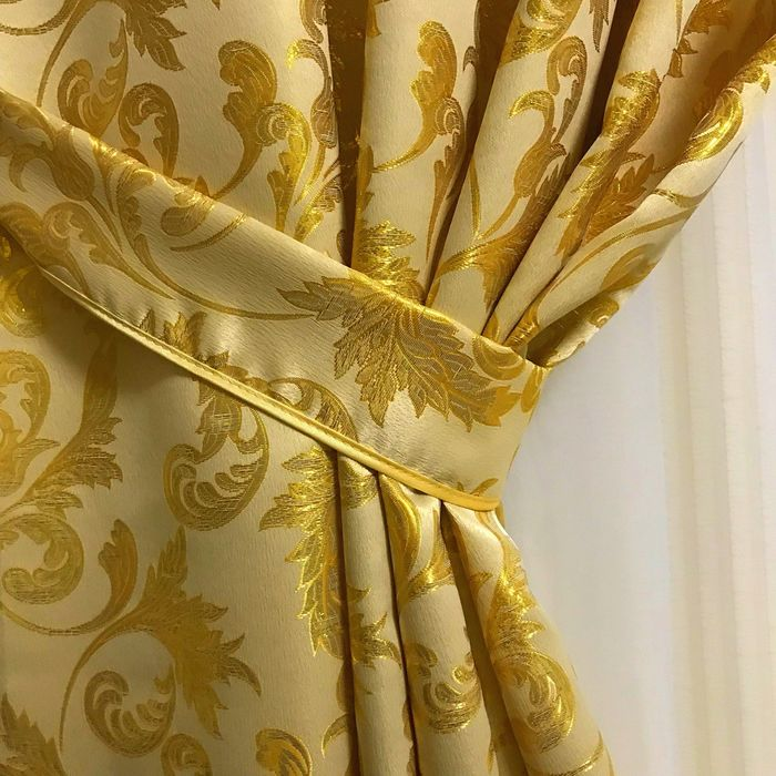 Beautiful curtains with Baroque style lambrequin - Textiles