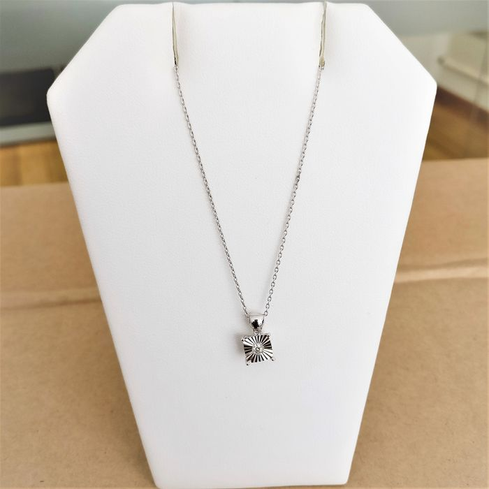 14 kt. White gold - Necklace with pendant - 0.06 ct Diamond