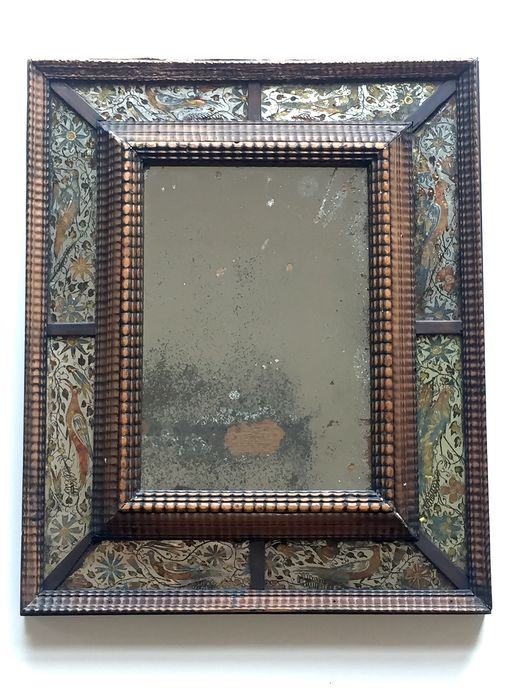 """Wall mirror - Baroque - walnut with behind-glass or """"verre églomisé"""" painted panels - 17th century"""