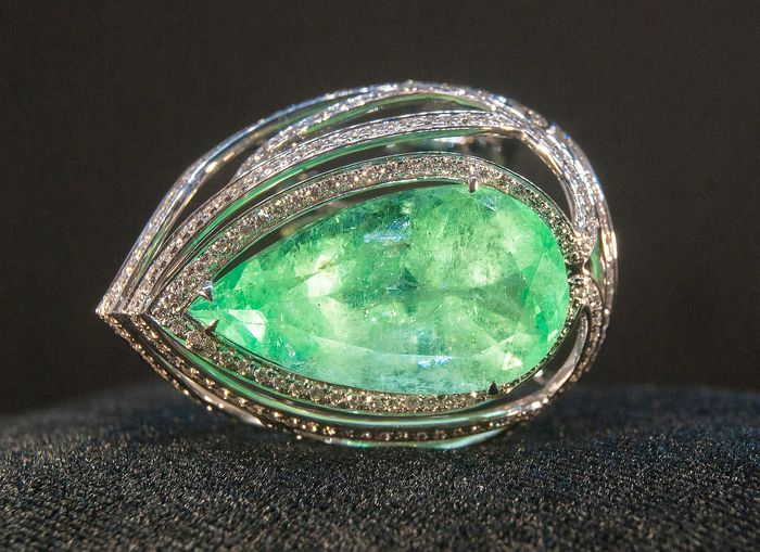 14 kt. White gold - Ring - 14.91 ct Emerald - Diamonds