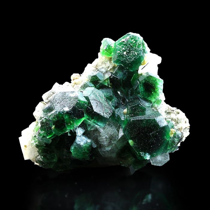 TOP QUALITY! Emerald Fluorite with Goshenite Crystals - 7.5×6×4 cm - 135 g