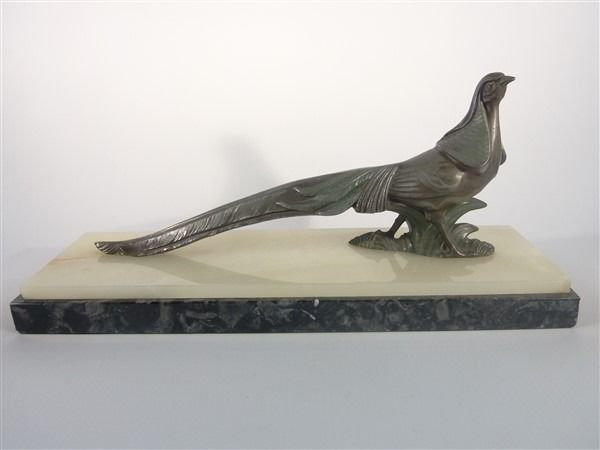 Art deco - image of graceful pheasant