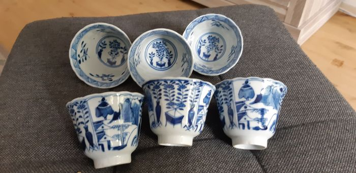 Tea cups (8) - Qingbai - Porcelain - Man, plants - China - 18th and 19th c