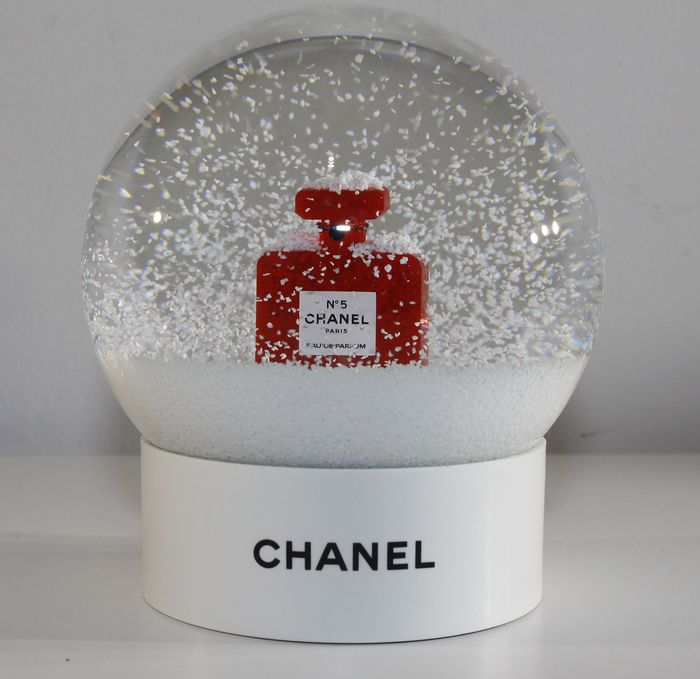 Chanel no.5 Red Snowglobe - Vidrio