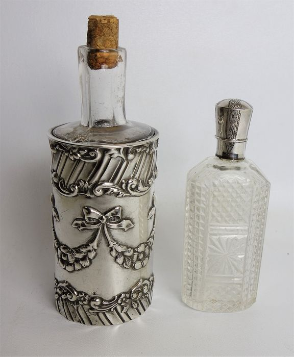 Perfume bottles with silver fittings (2) - silver .835 / .925