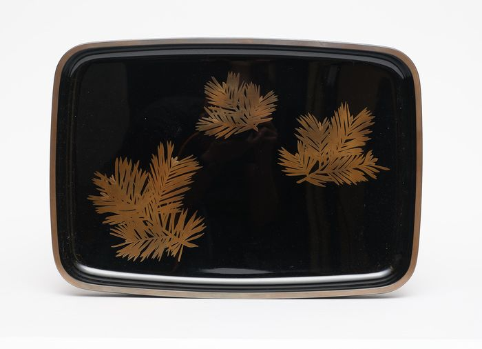 Black lacquered hirobuta tray - Lacquered wood - Japan - Shōwa period (1926-1989)