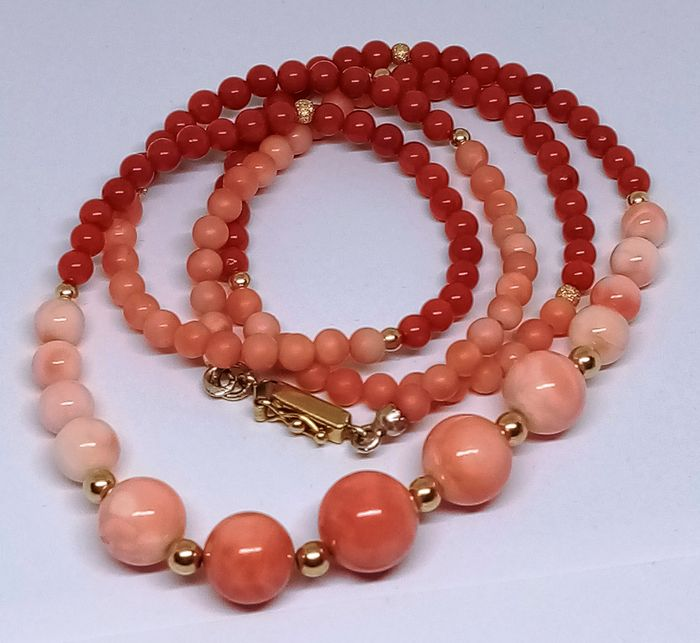 UnoAErre - oro 18 carati,28.50 grammi  Yellow gold, red coral coral red and Mediterranean rose - Necklace, unaaerre unique exclusive coral three colors natural red lobster and pink coral