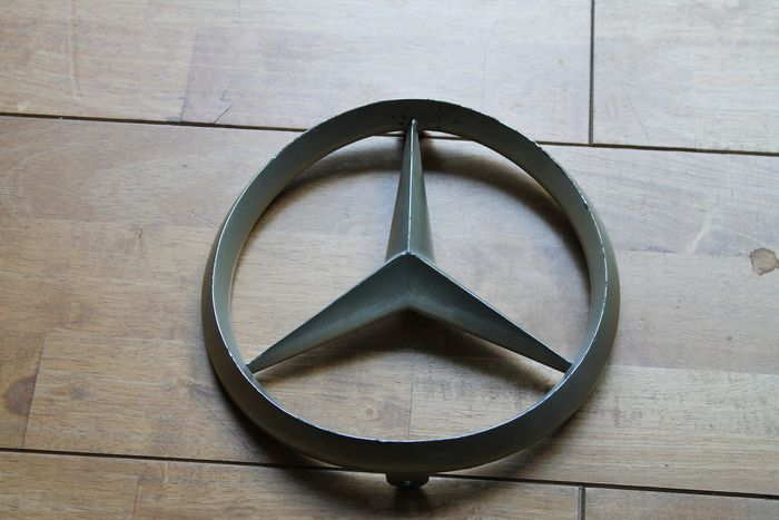 徽章/吉祥物 - Mercedes-Benz - Genuine Large Mercedes Benz Front Badge SL300 - 1970-1980