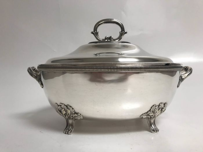environmental table, terrine - Silverplate - France - 1870-1890
