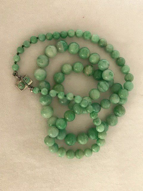 Art Deco Jade with silver lock - Necklace