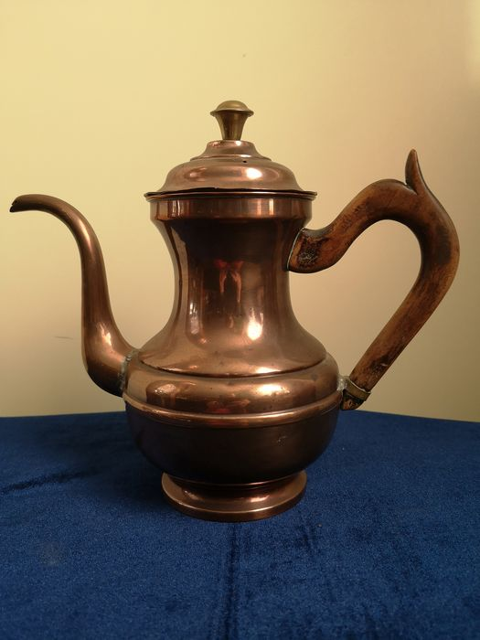Rustic Massive Hammered Coffee Pot with Olive Wood Handle - Red copper