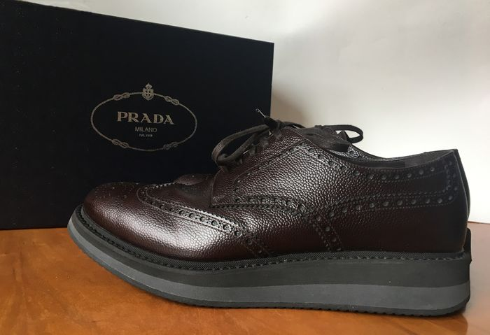 Prada Chaussures à lacets - Taille: US 9