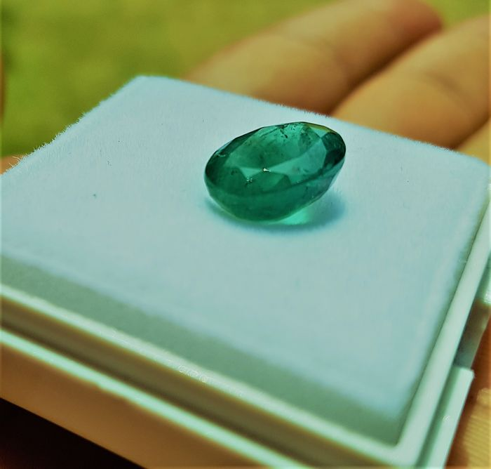 1 pcs Green, deep bluish green  Emerald - 4.95 ct