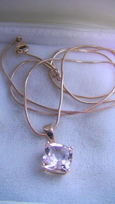 14 kt. Pink gold - Necklace with pendant - 1.40 ct Morganite